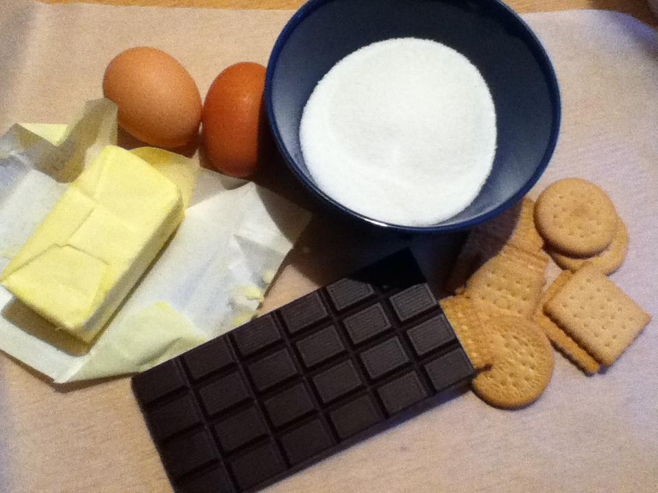 ingredienti salame al cioccolato
