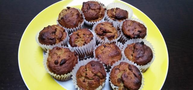 Buongiorno a tutti e buona Pasqua! Chissà come mai a Pasqua sono sempre ispirata dai muffin e ogni anno ne preparo, sono strana, vero? I muffin di oggi sono preparati […]