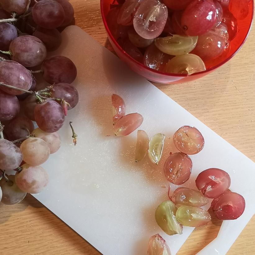 preparazione torta all'uva